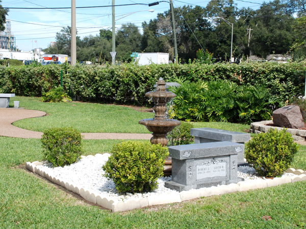 Lakeland Memorial Gardens Grounds