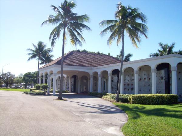 Lauderdale Memorial Park Mausoleum