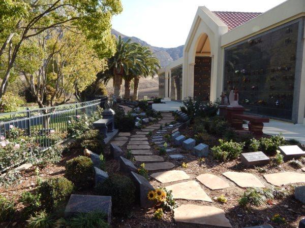 Conejo Mountain Funeral Home, Memorial Park  Crematory Columbarium Exterior