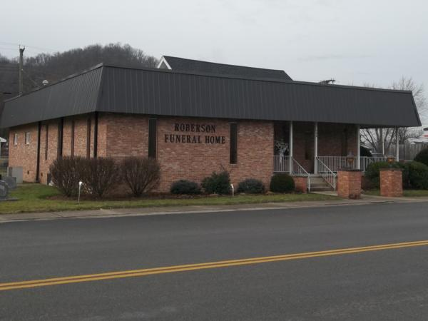 Roberson Funeral Home Exterior