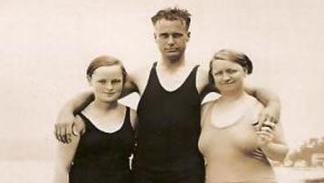 Martha, Herbert and Fanny (Pfeiffer) Curtis 1931