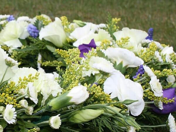 floral arrangements cemetery