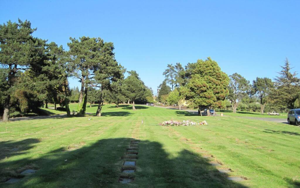 Flat Memorial Lawns