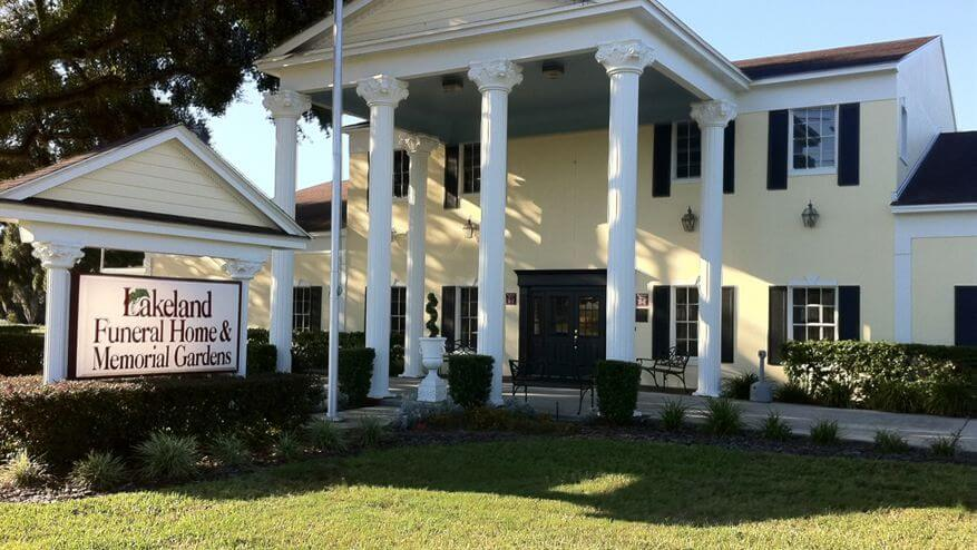 Tour Our Facility | Lakeland Funeral Home | Lakeland, FL