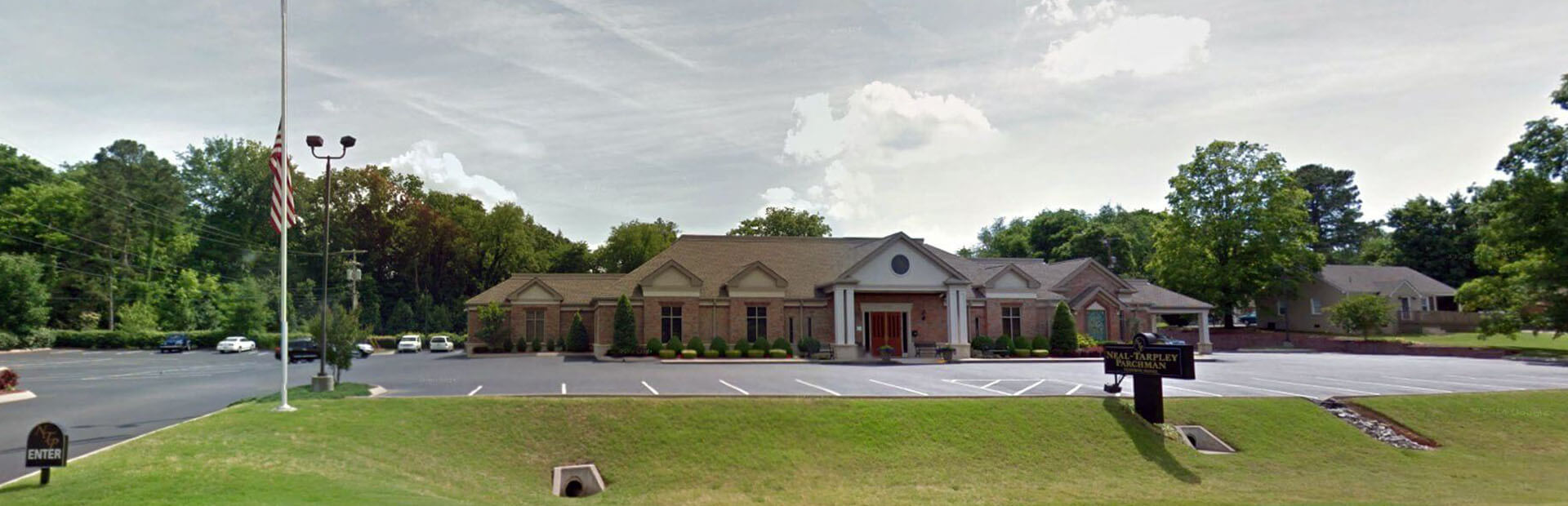 Neal-Tarpley-Parchman Funeral Home in Clarksville, TN