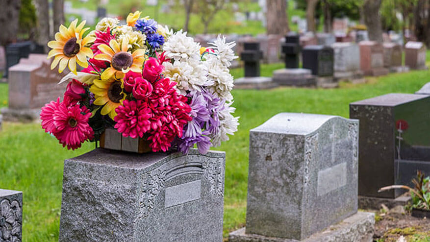 burial service memorial options
