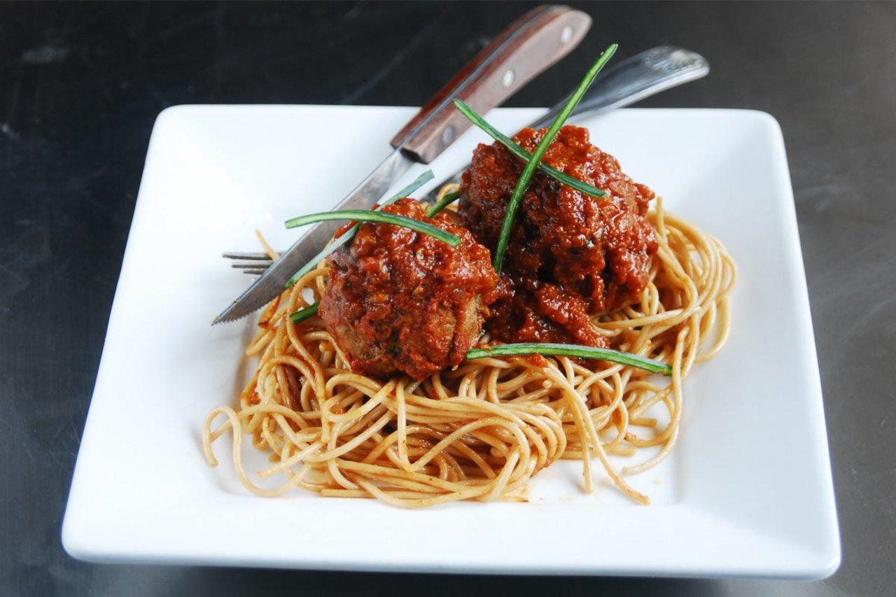 Classic Beef Meatball Spaghetti