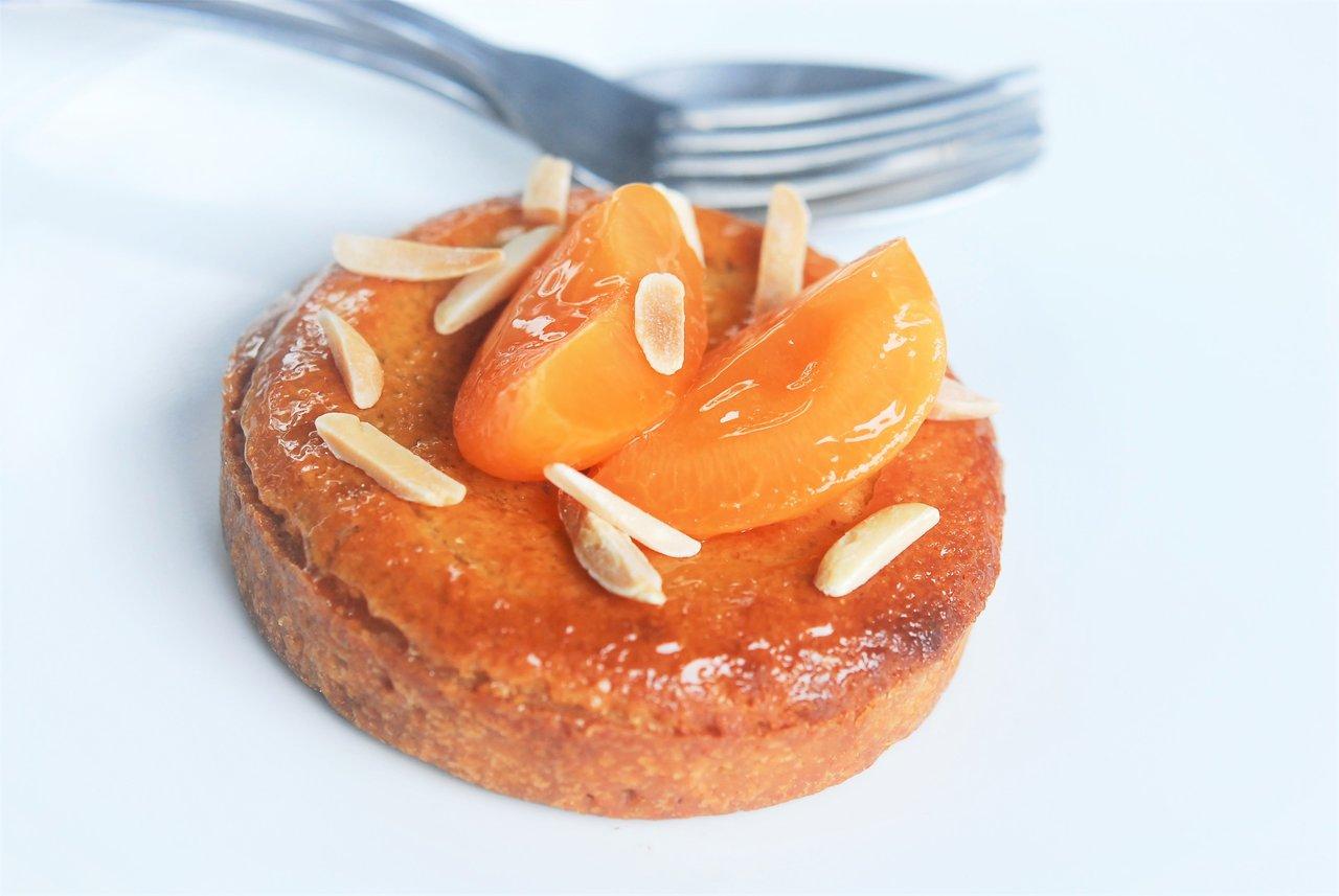 Almandine Apricot Tart