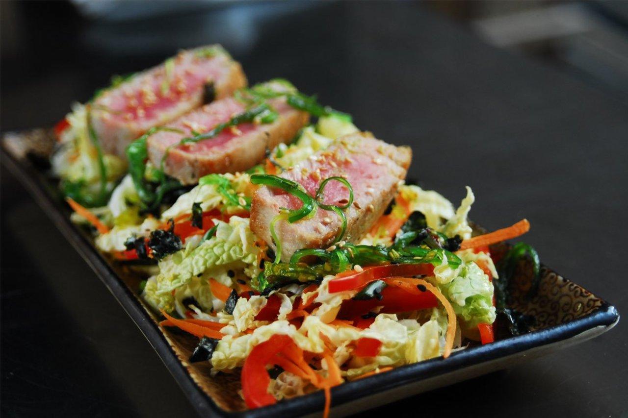 Paleo Seared Tuna Salad