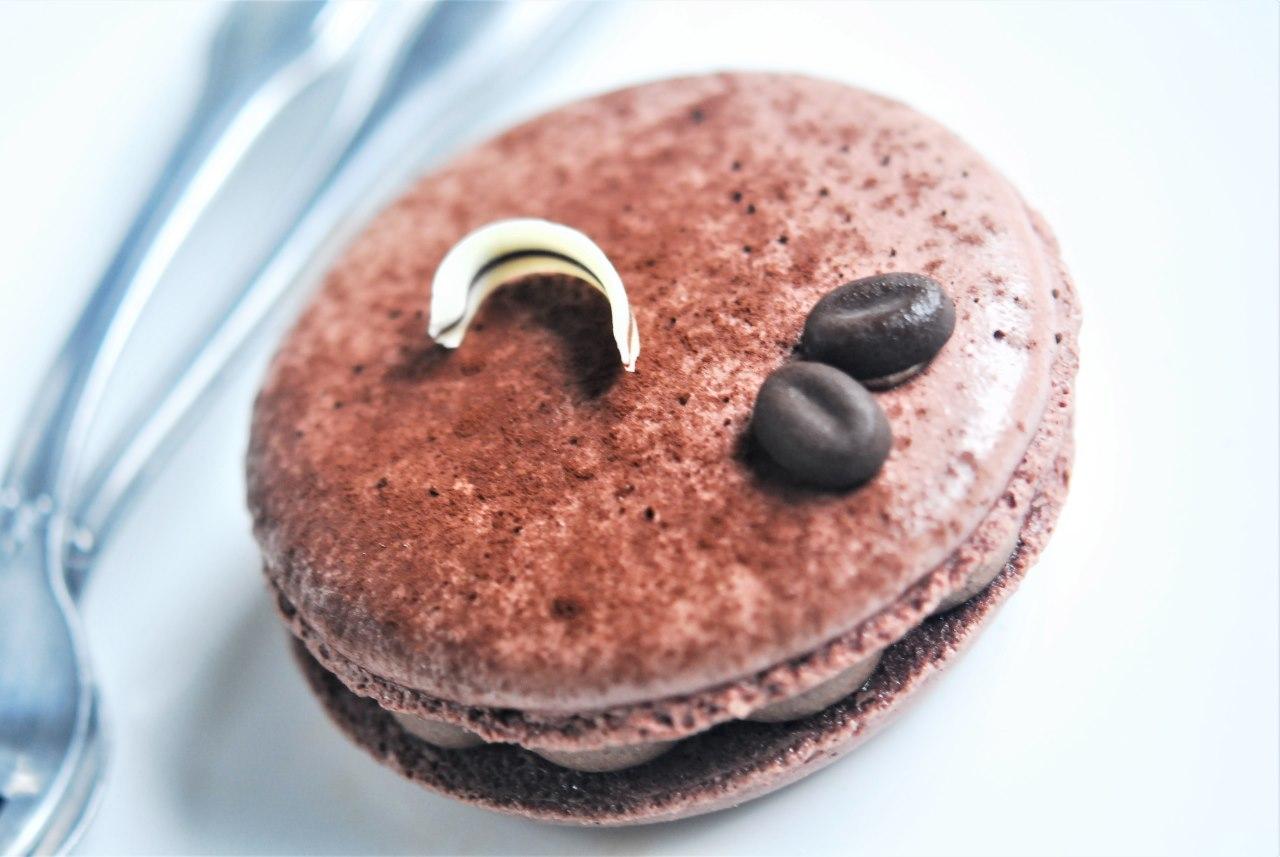 Chocolate Cream Coffee Macaron