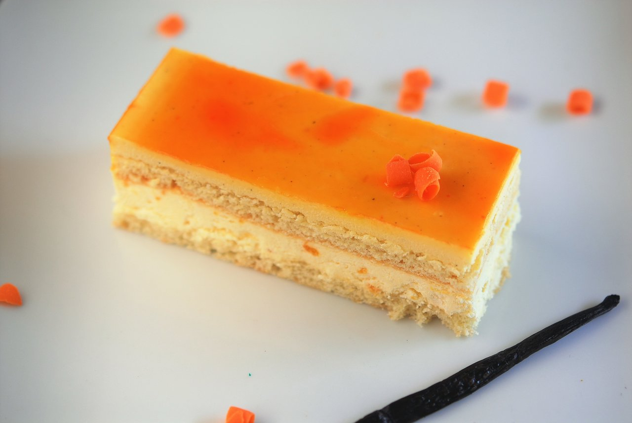 Vanilla Mango Cake