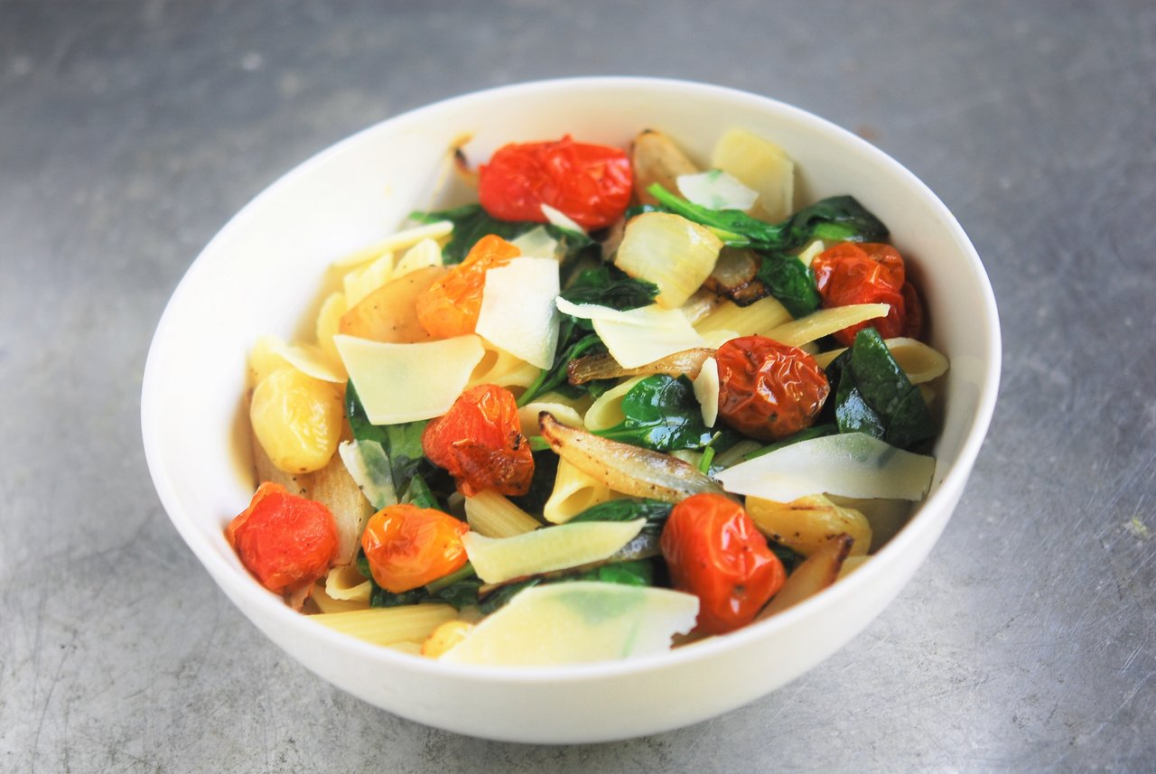 Bursted Tomato & Spinach Pasta