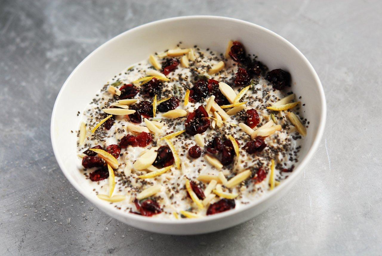Cranberry & Almond Overnight Oatmeal
