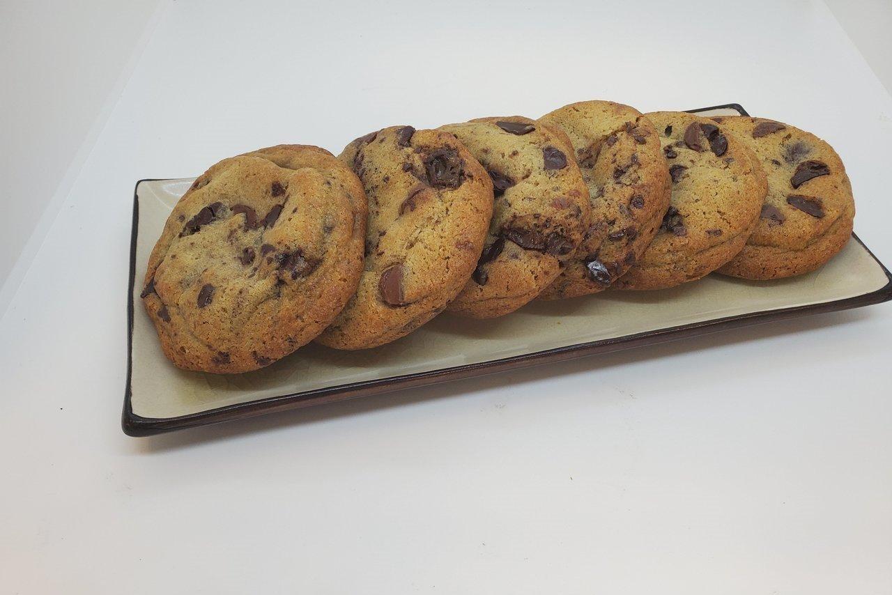 Wolfe's International - Caramel Chocolate Chip Cookies