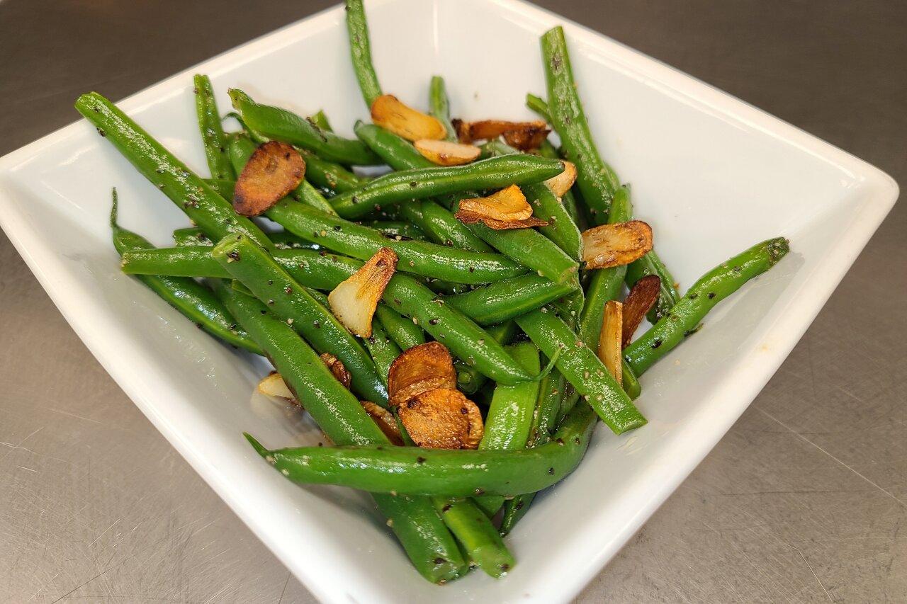 Matrix Comfort Foods - Green Beans with Garlic