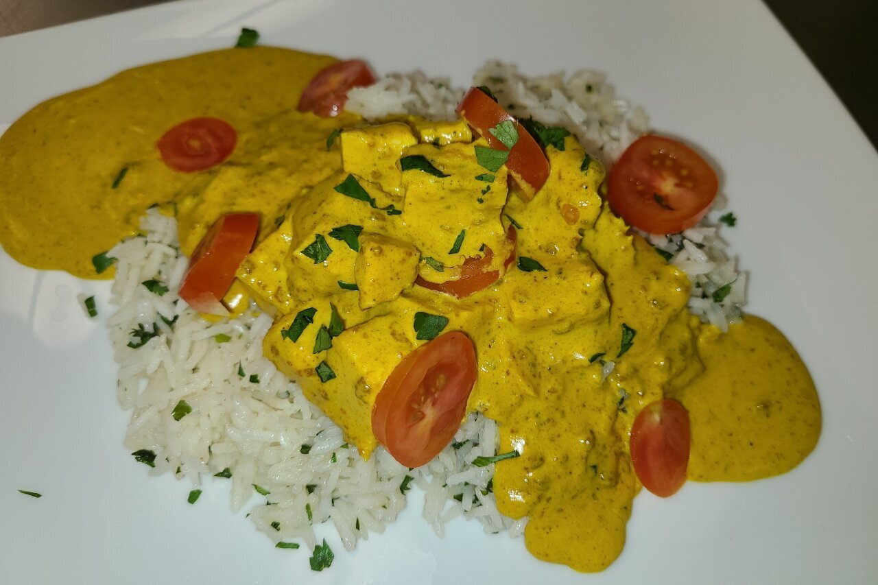 Twist of Culture - Curry Chicken & Rice