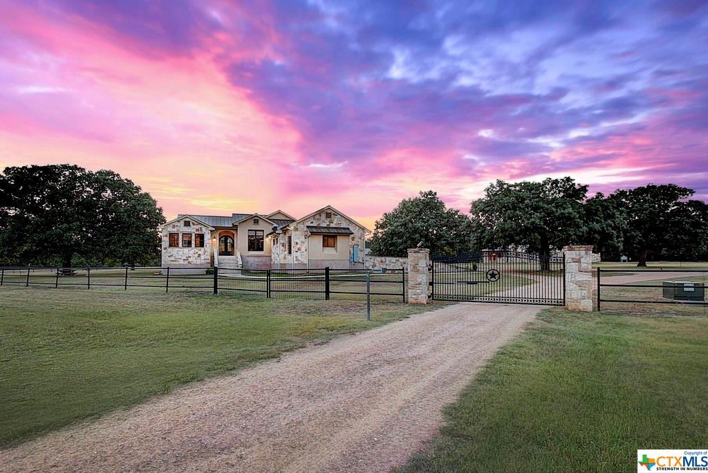 101 Spears Ranch , Jarrell Texas 76537