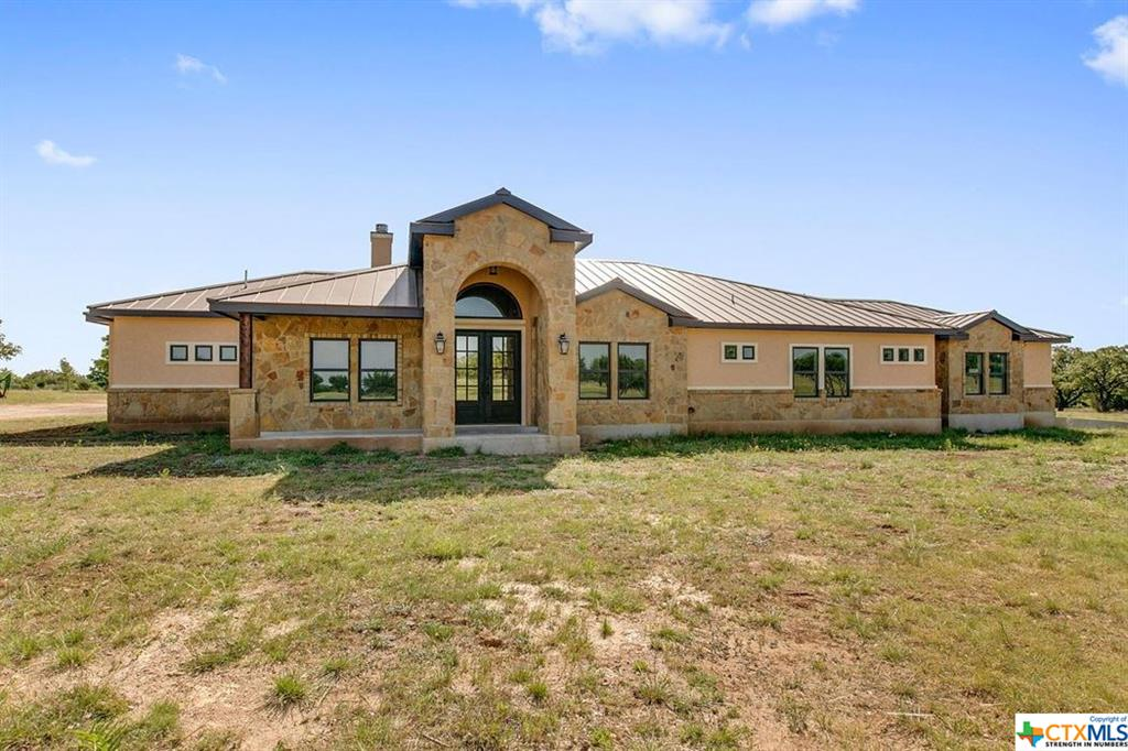 156 East Waterhole , Johnson City Texas 78636