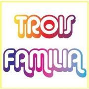 Server at Trois Familia