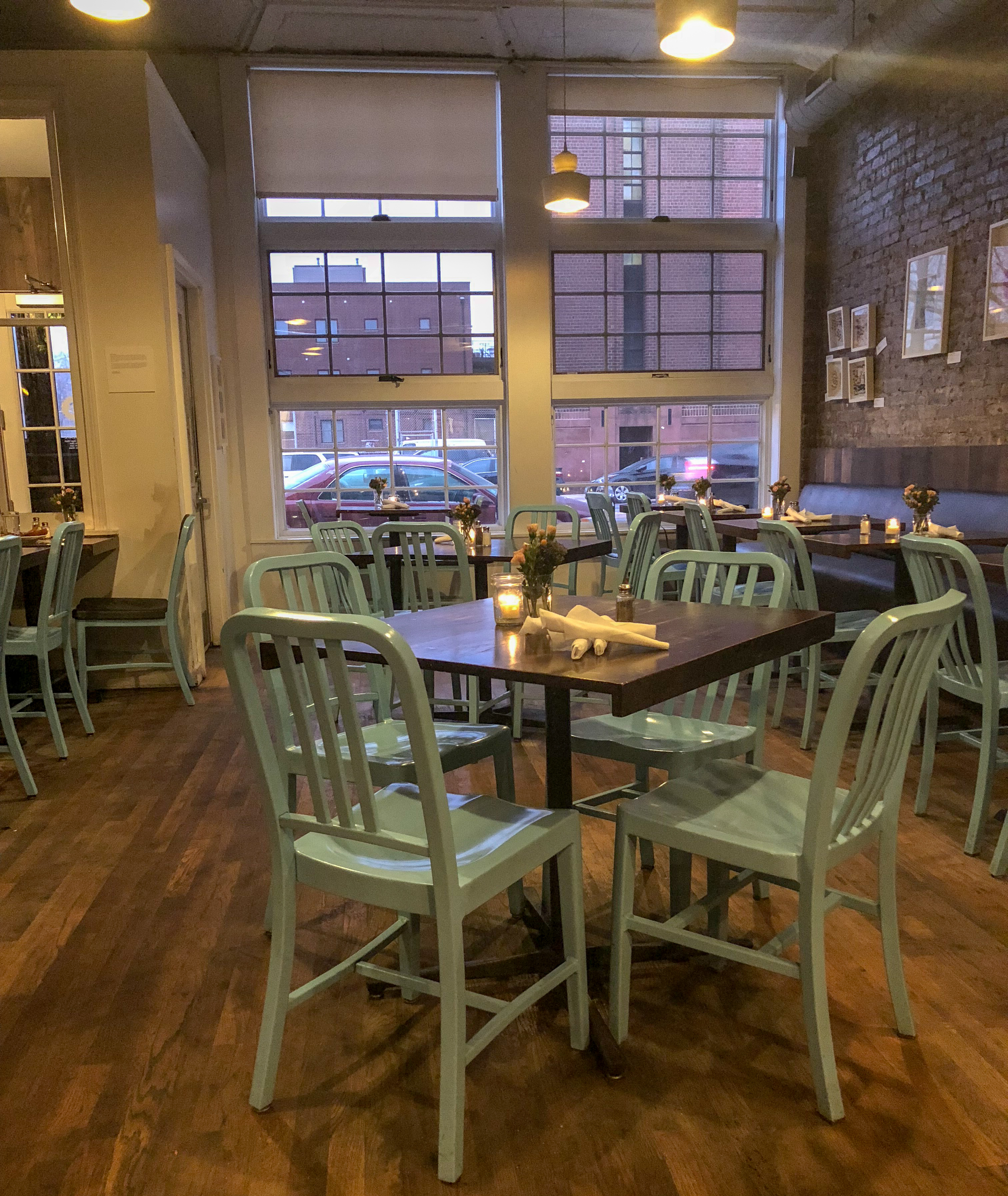 Take A Bite Out Of 24 Modern Dining Rooms: Learn About Bite Cafe Part Of 16 On Center