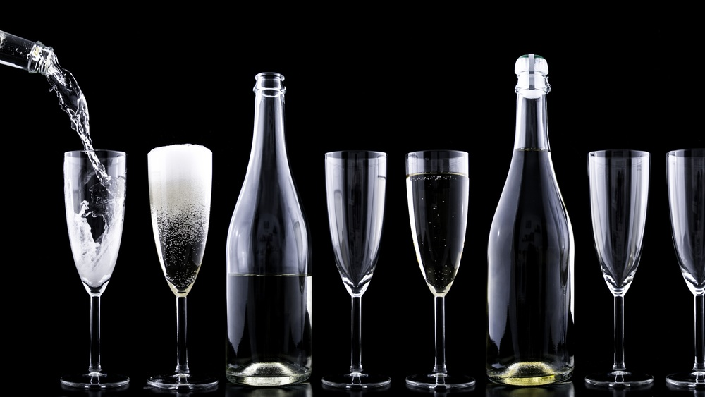 How-to: Provide Table Service For Sparkling Wine