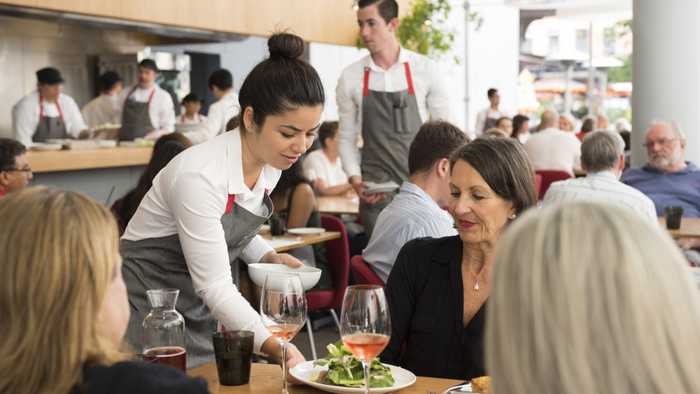 Restaurant Roles 101: The Dining Room (FoH)