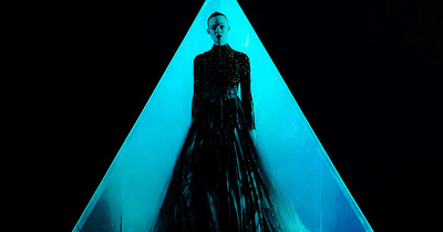 Neon demon card