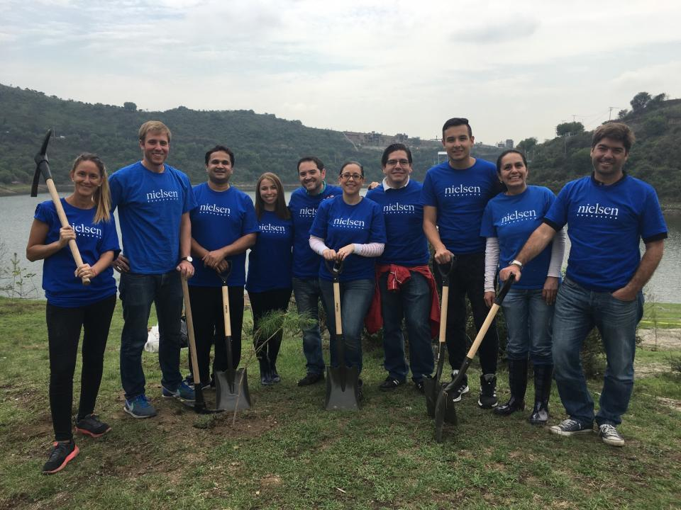 Feeling great to do their part in fighting the pollution ... Planting trees in Mexico City!