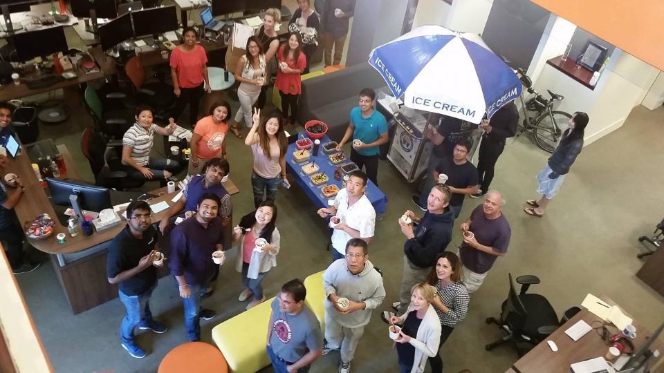 Netskopers enjoying ice cream at HQ
