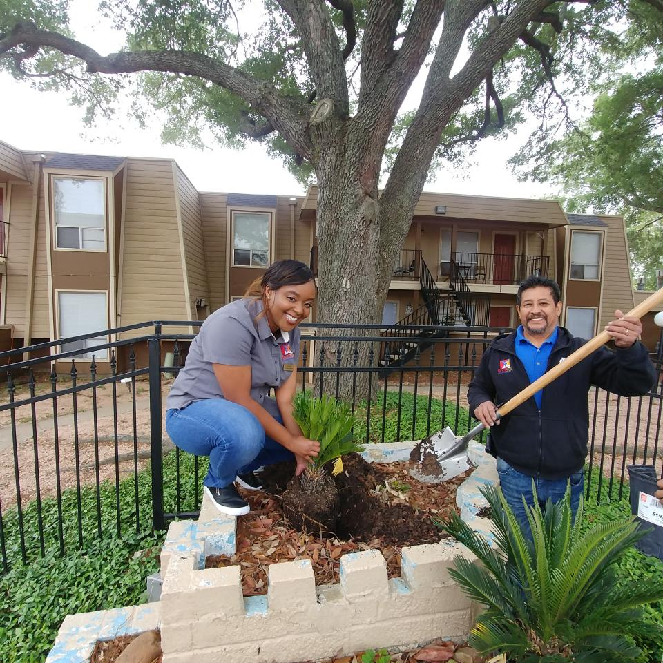 Rockstar Capital Celebrates Earth Day 2018 With Tree Plantings at all 16 Apartment Communities