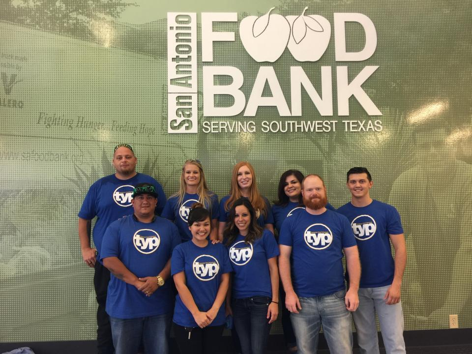 San Antonio young professionals donate their time at the local Food Bank