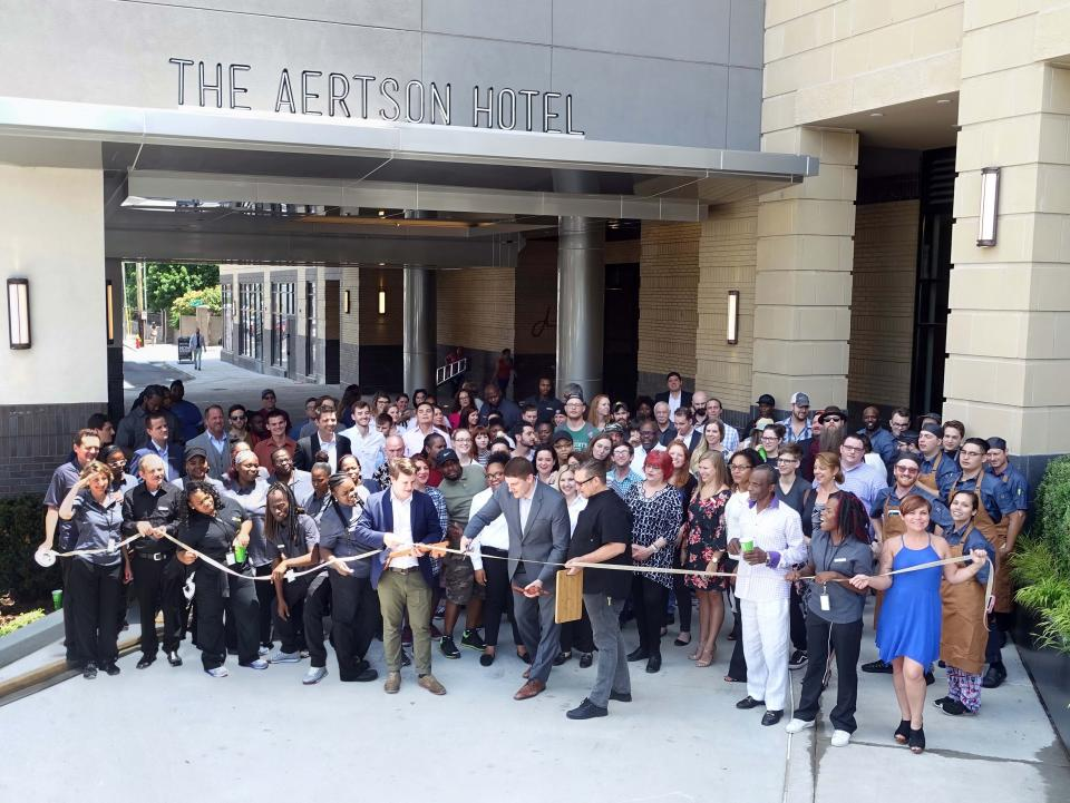 Aertson Hotel Nashville ribbon cutting
