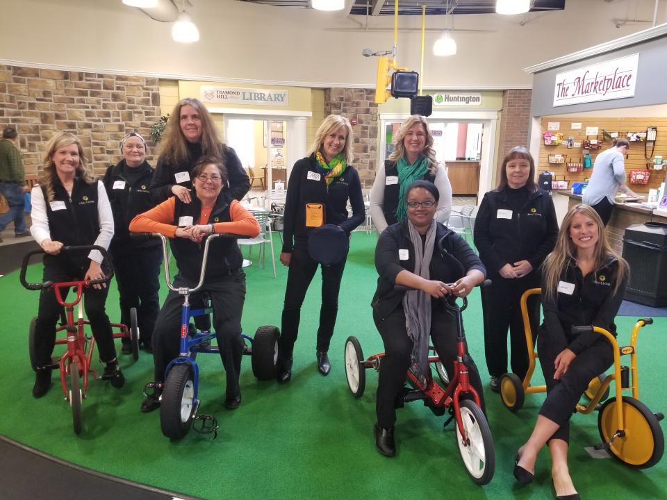 Corporate Human Resources volunteers at LifeTown Columbus