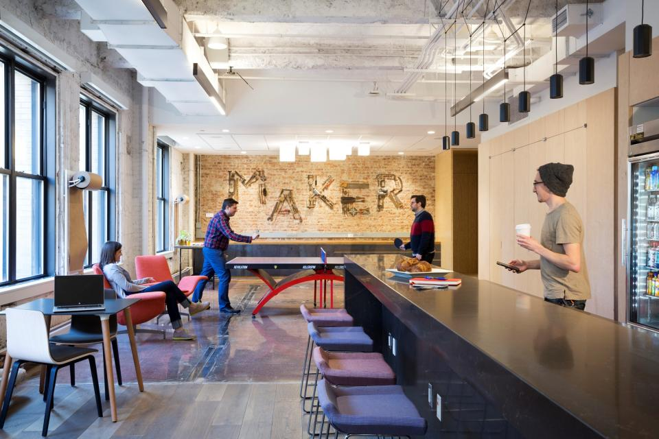 By creating the physical space to operate for all workstyles—from large collaborative teams to quiet solo thinking and in between—we promote balance and empower associates to embrace their preferred method of productivity and innovation.