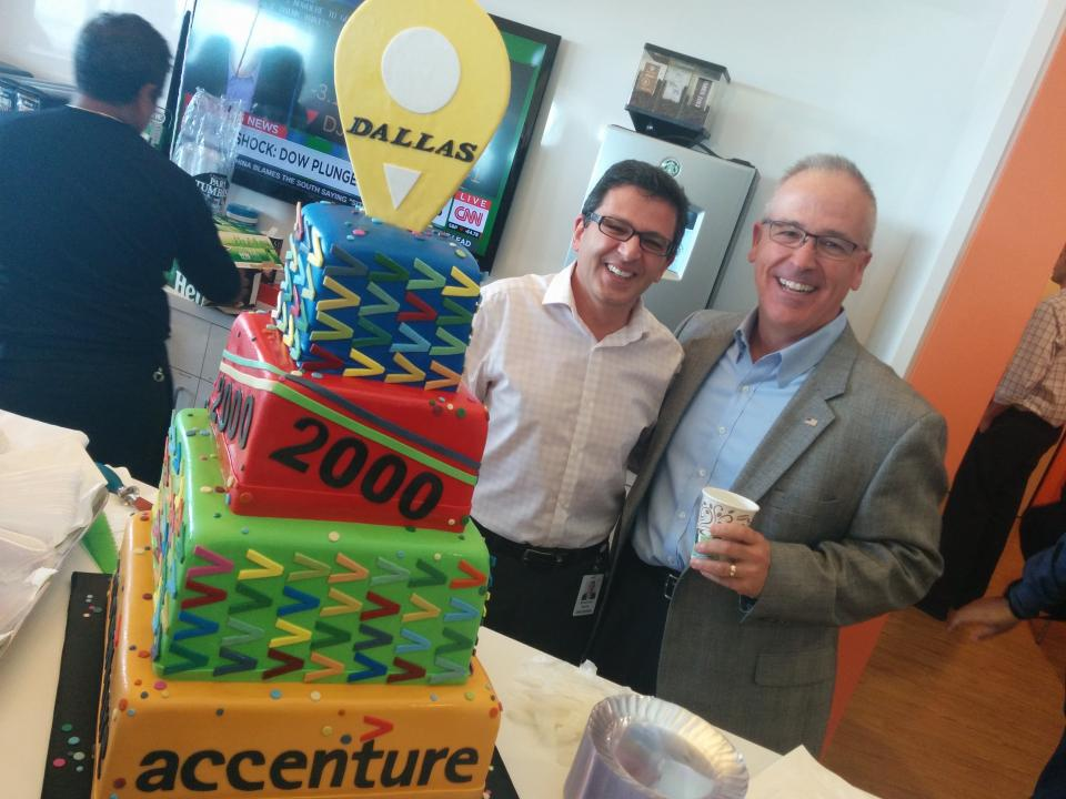 No celebration is complete without cake! Our people celebrate growing our Dallas office to more than 2,000 people.