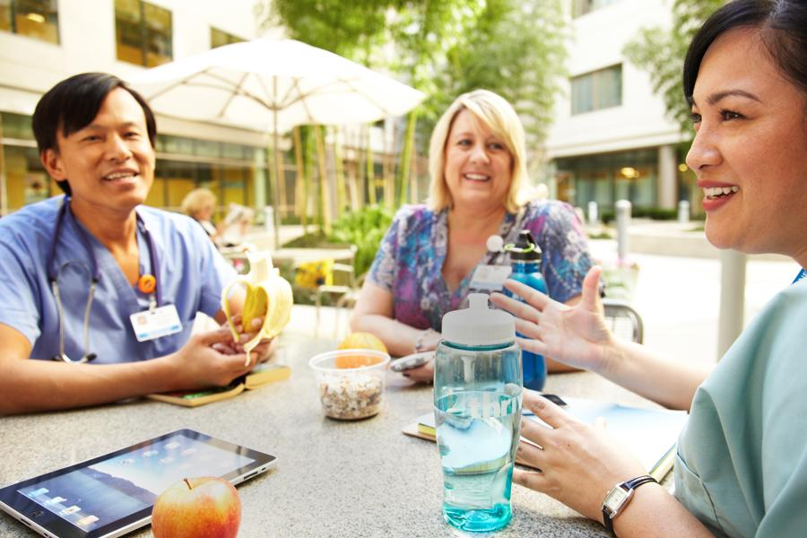 Kaiser Permanente colleagues enjoy a healthful snack break