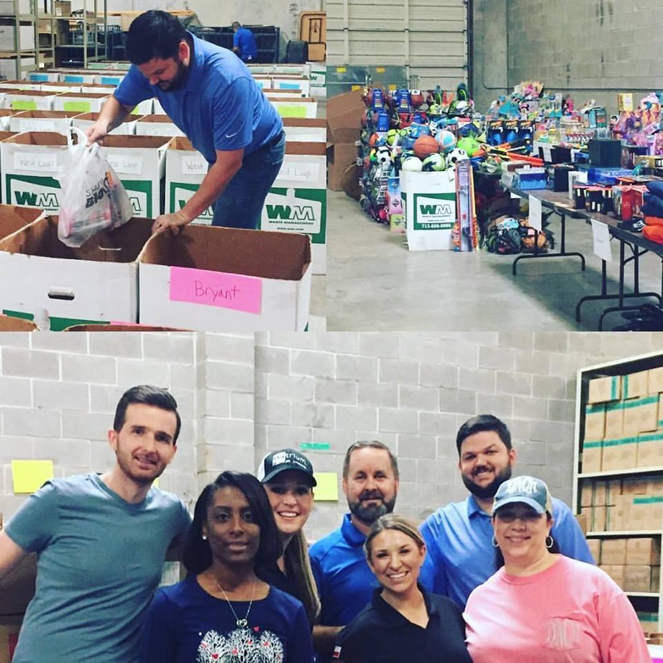 Houston Team volunteers for Bearesource