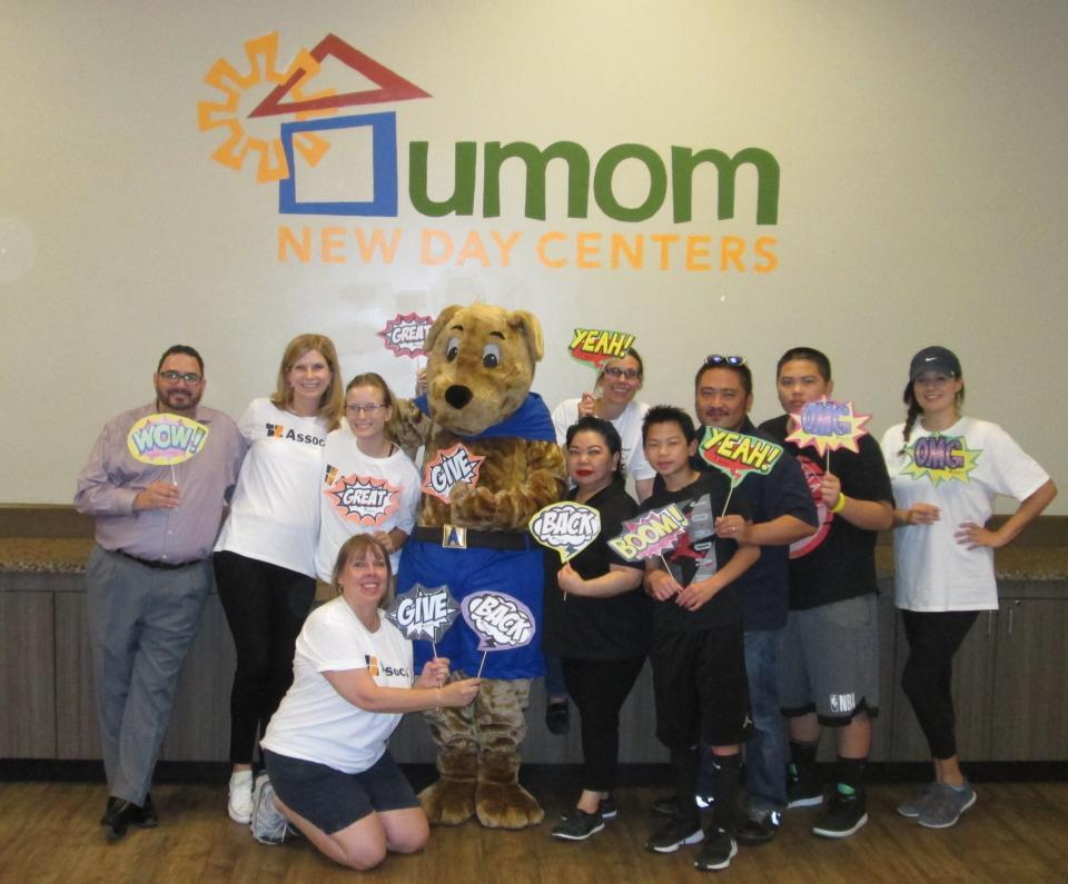 The Associa Arizona team had a blast volunteering in the Great Giveback!