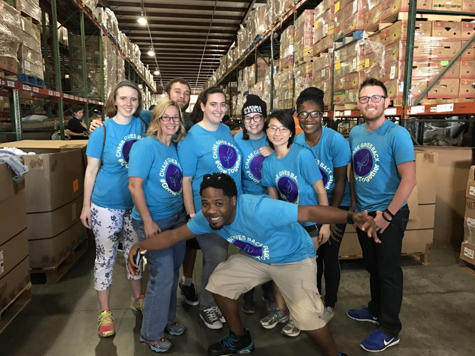 The College Hire Academy Success Experience team (CHASE) in Maitland Florida spent October 22nd serving the Orlando community with an organization, Hands On Orlando.
