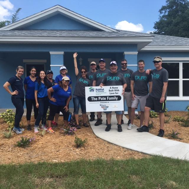 Private Risk Management team partners with Pure Insurance during a Habitat for Humanity project