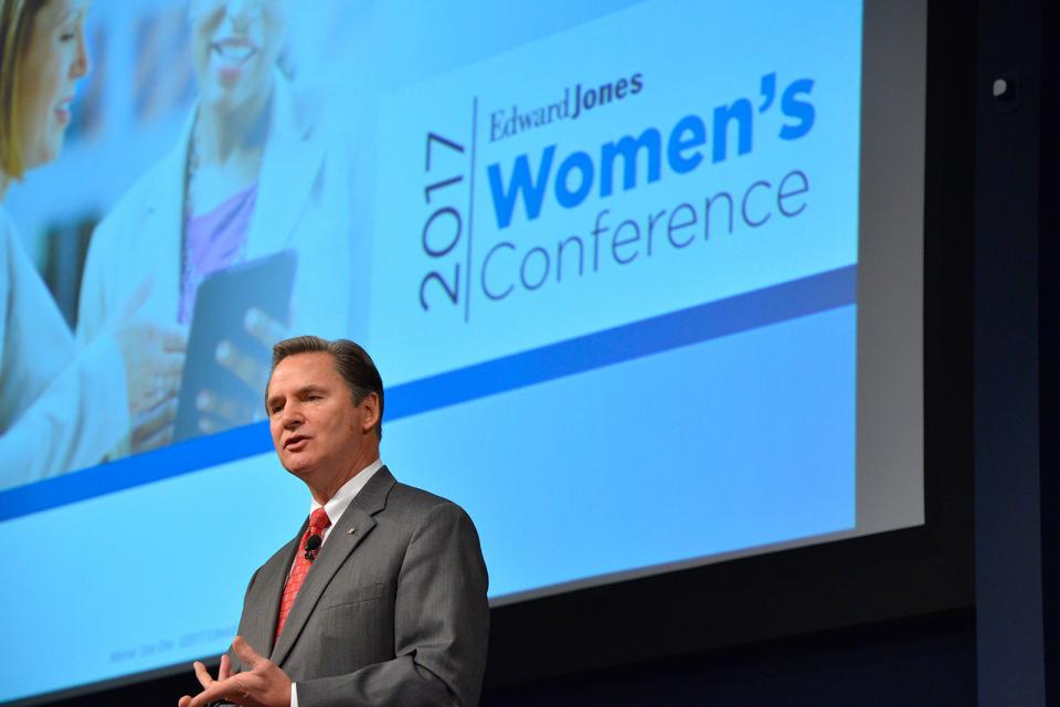 Edward Jones Managing Partner Jim Weddle speaks to more than 250 financial advisors at the 2017 Women's Conference in St. Louis.