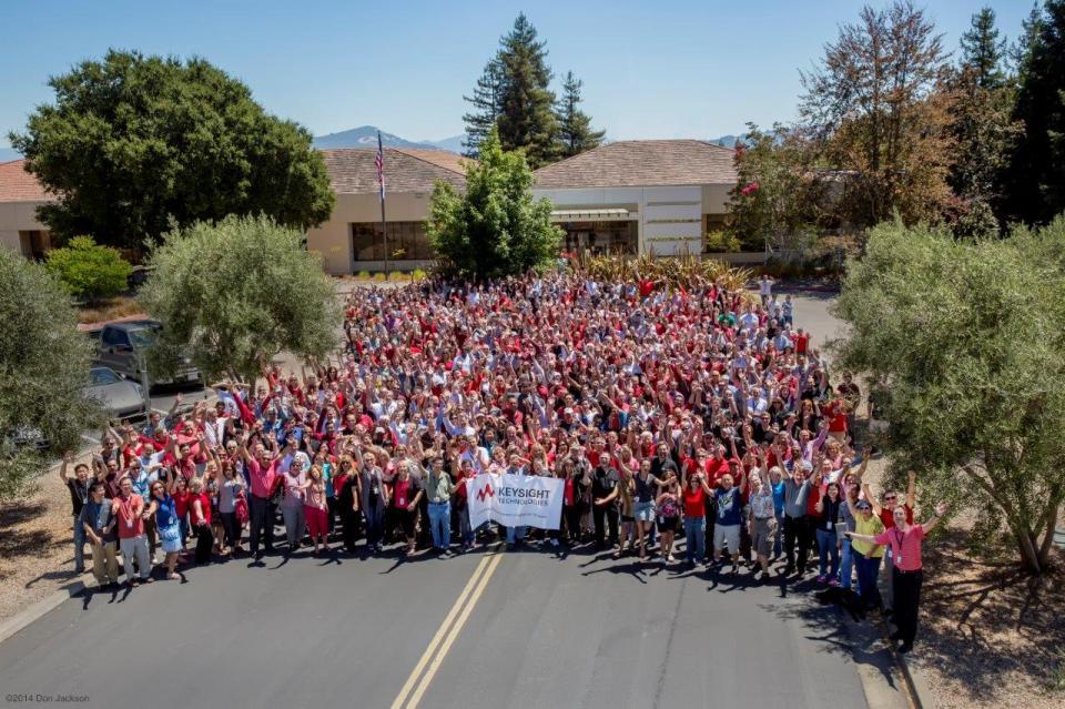 Employees in Santa Rosa celebrate Day 1 (November 1, 2014), marking Keysight's split from parent company, Agilent Technologies.