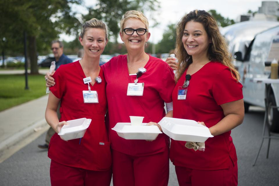 Mayo Clinic staff at the Jacksonville campus enjoy a monthly lunchtime dining option, Food Truck Friday, which debuted in Summer 2017. Several local vendors participate including a vegan option and a dessert option.