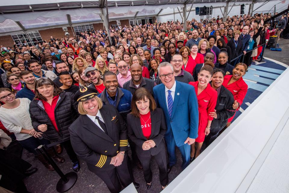 Delta employees and leaders celebrate 2018 Profit Sharing Day, Feb. 2018.