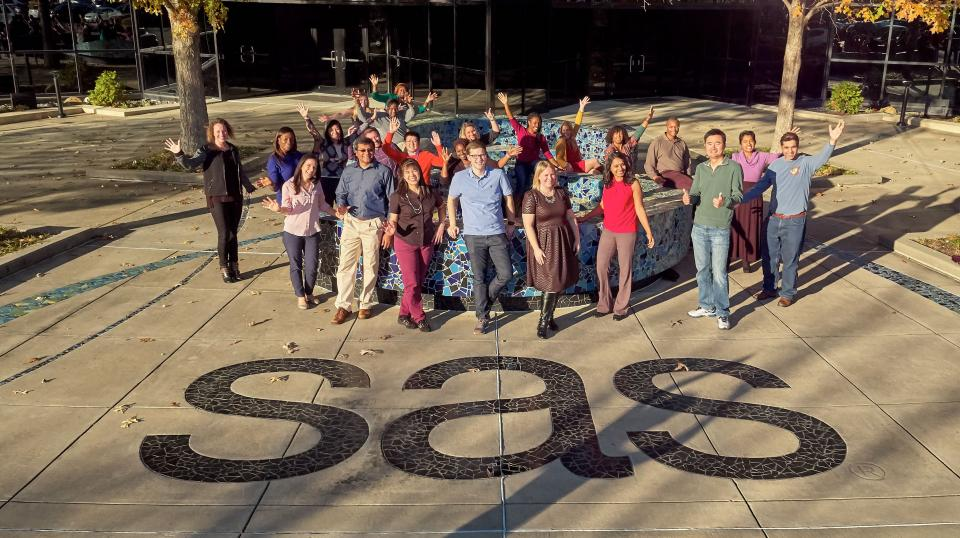 SAS employees celebrate being ranked as one of the 100 Best Companies to Work For.