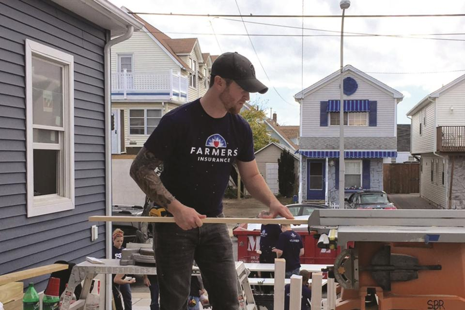 Farmers employees committed to rebuilding homes after the Hurricane Sandy disaster