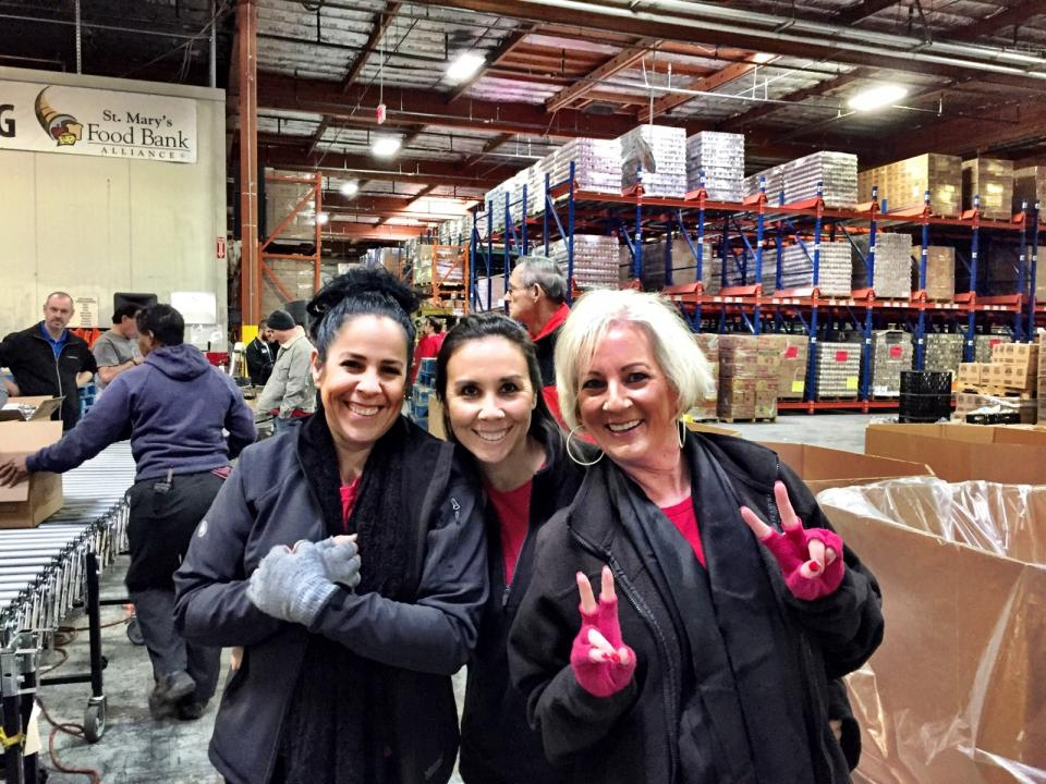 Gore's Volunteer Time and Volunteer Support Grant programs support Associates in giving back to causes they are passionate about.