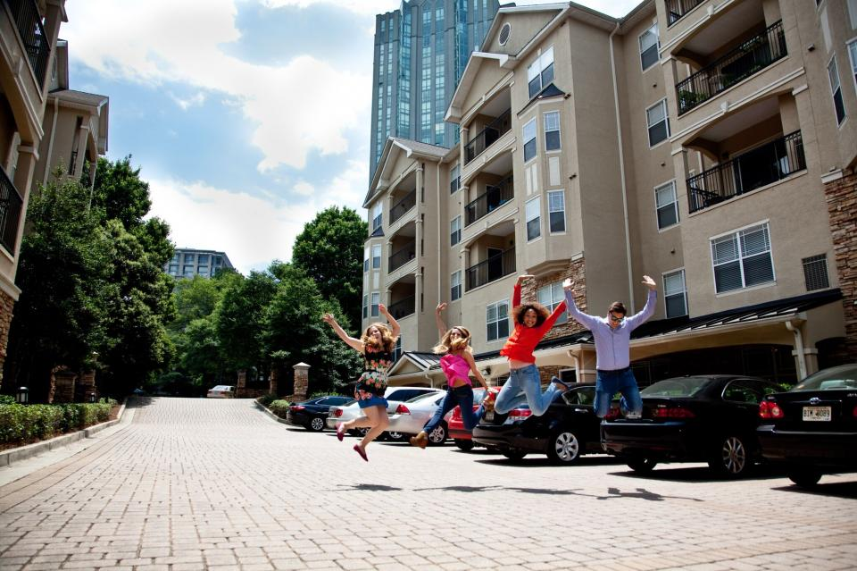 Employees in our Atlanta Region aren't afraid to jump into action!