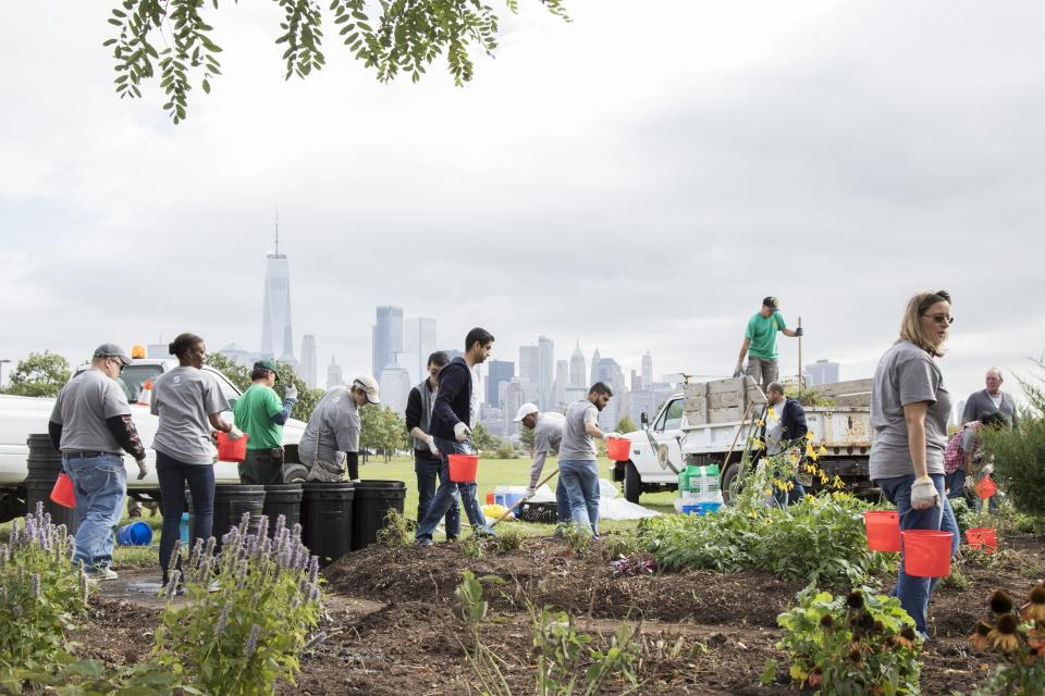 Verisk employees volunteered at Liberty State Park, Jersey City, New Jersey