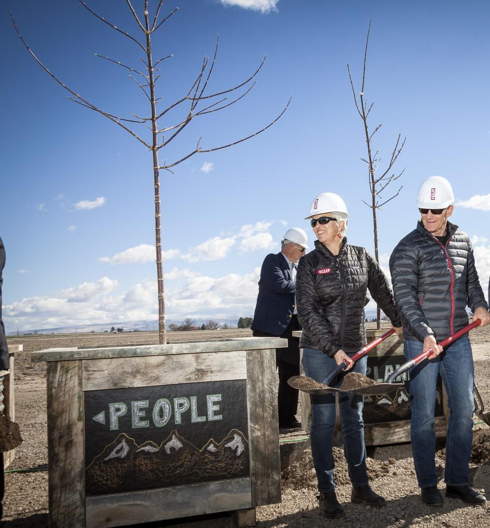 Gary and Kit Plant a Tree for each Aspiration (Twin Falls)